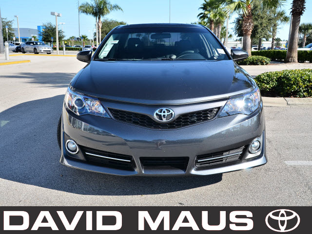 toyota camry 2012 gray sedan se 4 cylinders front wheel drive automatic 32771 toyota camry 2012. Black Bedroom Furniture Sets. Home Design Ideas