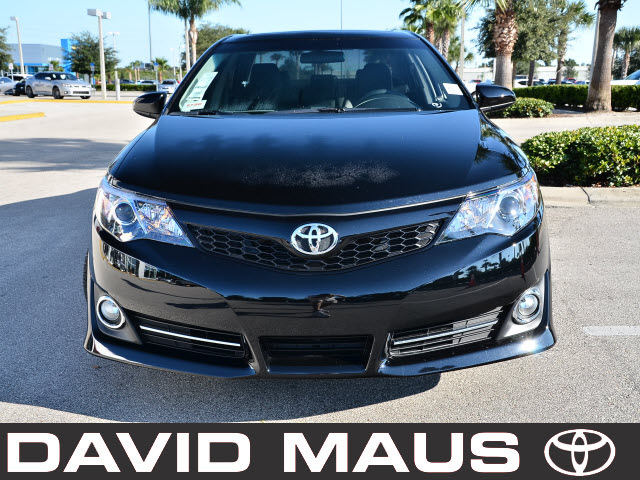 toyota camry 2012 black sedan se 4 cylinders front wheel drive automatic 32771 toyota camry. Black Bedroom Furniture Sets. Home Design Ideas
