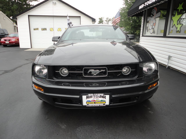 ford mustang 2007 gray coupe v6 deluxe gasoline 6. Black Bedroom Furniture Sets. Home Design Ideas