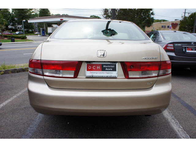 honda accord 2004 beige sedan lx gasoline 4 cylinders front wheel drive automatic 07044 honda. Black Bedroom Furniture Sets. Home Design Ideas