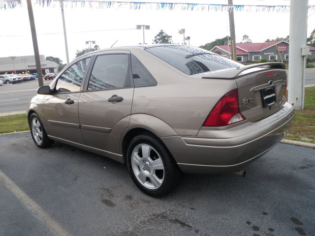 ford focus 2003 beige sedan zts gasoline 4 cylinders front wheel drive automatic 32401 ford. Black Bedroom Furniture Sets. Home Design Ideas