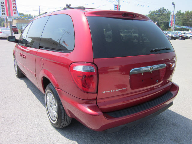 chrysler town and country 2005 red van lx stow n go gasoline 6 cylinders front wheel drive. Black Bedroom Furniture Sets. Home Design Ideas