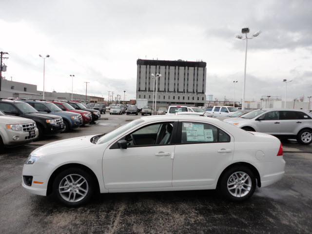 ford fusion 2012 white sedan s gasoline 4 cylinders front wheel drive automatic with overdrive. Black Bedroom Furniture Sets. Home Design Ideas