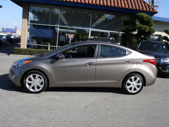 Hyundai Elantra Bronze