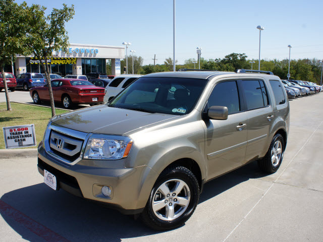 2010 Ford Escape Suv Xls 4dr Front Wheel Drive Photo 1