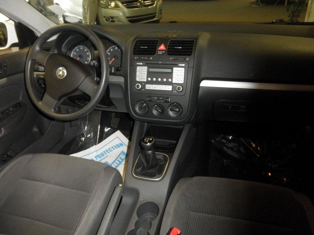 volkswagen jetta 2009 white sedan s gasoline 5 cylinders front wheel rh photoofcar com Jetta 2.5 Turbo Jetta 2.5 Coilovers