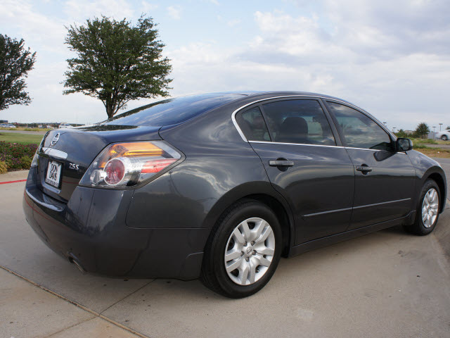 nissan altima 2009 dk gray sedan 2 5 s gasoline 4 cylinders front wheel drive automatic 76018. Black Bedroom Furniture Sets. Home Design Ideas