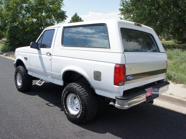 Ford Bronco 1995 White Suv 4x4 Lifted 5 8 Gasoline V8 4 Wheel Drive Automatic With Overdrive