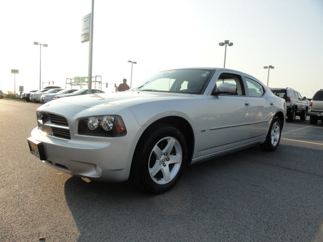 dodge charger 2010 silver sedan sxt gasoline 6 cylinders rear wheel drive 4 speed automatic 60915. Black Bedroom Furniture Sets. Home Design Ideas