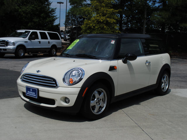 mini cooper clubman 2009 off white hatchback gasoline 4 cylinders rh photoofcar com 2009 mini cooper manual trans fluid 2009 mini cooper manual transmission fluid