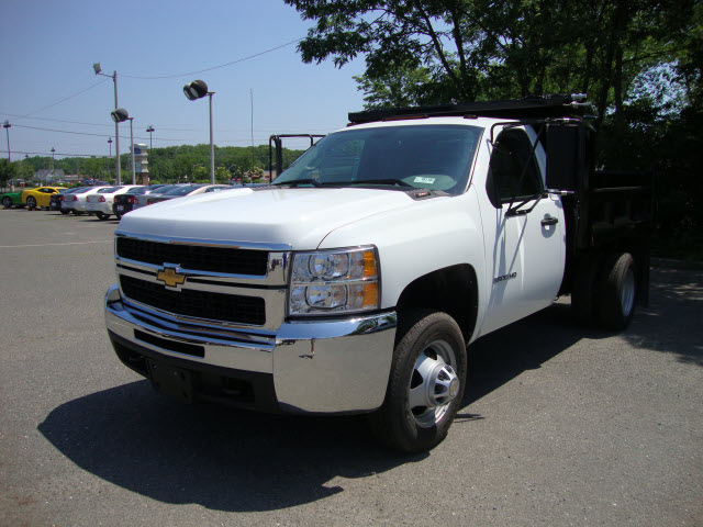chevrolet silverado 3500 2010 white contractor dump gasoline 8 cylinders 2 wheel drive automatic ...