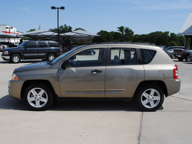 jeep compass 2008 gold suv gasoline 4 cylinders 2 wheel drive automatic 76087 jeep compass 2008. Black Bedroom Furniture Sets. Home Design Ideas