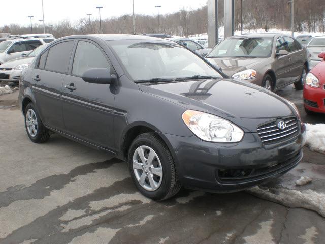 hyundai accent 2008 gray sedan gls gasoline 4 cylinders. Black Bedroom Furniture Sets. Home Design Ideas