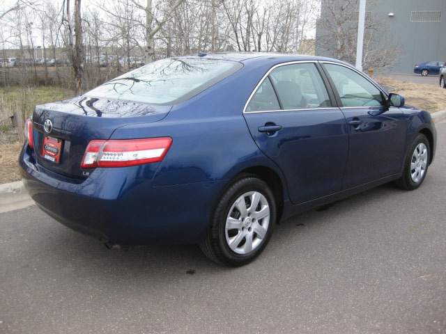 toyota camry 2011 blue sedan le gasoline 4 cylinders front wheel drive automatic 55448 toyota. Black Bedroom Furniture Sets. Home Design Ideas