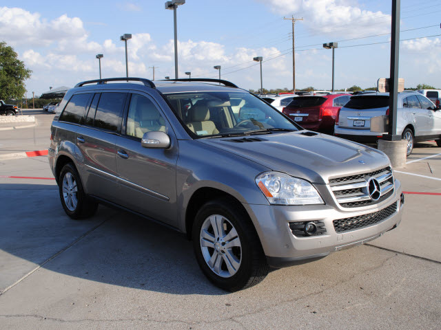 301 moved permanently for Mercedes benz suv gl450