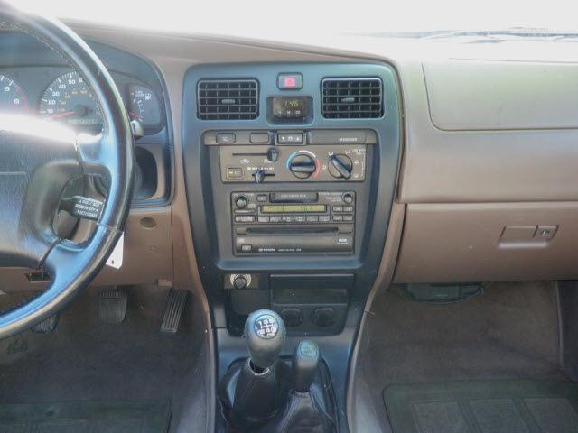 toyota 4runner 1999 green suv sr5 4wd gasoline v6 4 wheel drive 5 rh photoofcar com toyota 4runner 1999 owners manual toyota 4runner 1999 owners manual