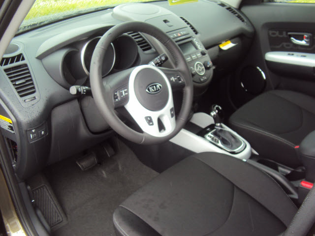 kia soul 2012 moss hatchback 4 cylinders front wheel drive. Black Bedroom Furniture Sets. Home Design Ideas