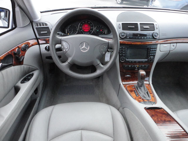 Mercedes Benz E500 2005 Silver Sedan 4matic Awd Gasoline 8 Cylinders All Whee Drive Automatic