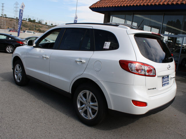 hyundai santa fe 2012 white suv limited gasoline 4 cylinders front wheel drive automatic 94010. Black Bedroom Furniture Sets. Home Design Ideas