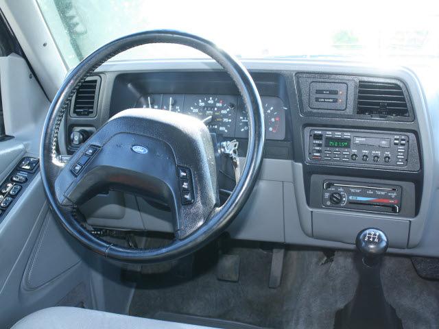 ford explorer 1992 blue xlt gasoline v6 4 wheel drive 4. Black Bedroom Furniture Sets. Home Design Ideas