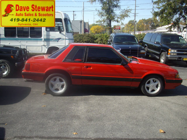 ford mustang 1989 red coupe lx gasoline 4 cylinders rear. Black Bedroom Furniture Sets. Home Design Ideas