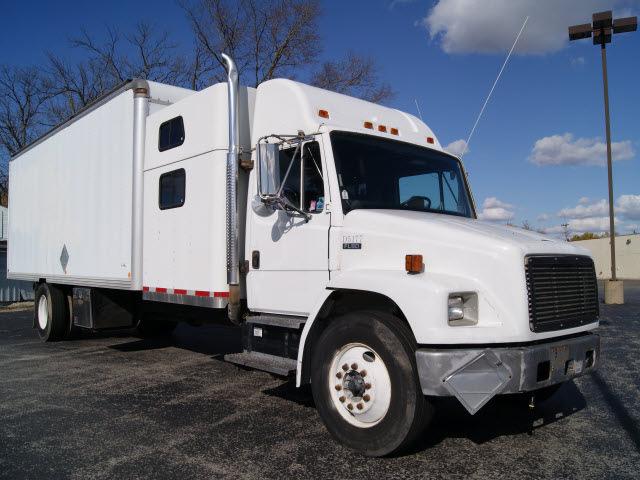Freightliner Fl80 2001 White Box Truck W Sleeper Diesel Automatic 61008 171 Freightliner Fl80 2001