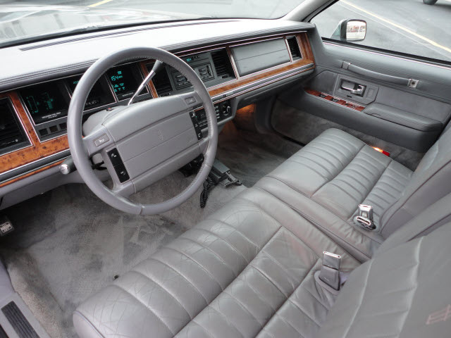 lincoln town car 1994 gray sedan krystal coaching limo gasoline v8 rear wheel drive automatic. Black Bedroom Furniture Sets. Home Design Ideas