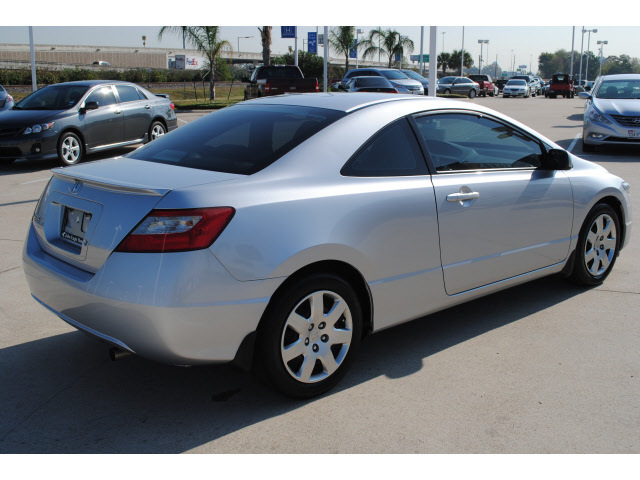 honda civic 2009 silver coupe lx gasoline 4 cylinders front wheel drive automatic 77065 honda. Black Bedroom Furniture Sets. Home Design Ideas