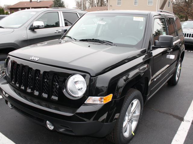 jeep patriot 2012 black suv latitude gasoline 4 cylinders 4 wheel drive automatic 07730. Black Bedroom Furniture Sets. Home Design Ideas