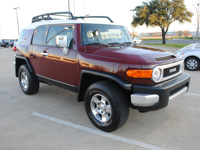 toyota fj cruiser 2009 dk red suv 4x4 gasoline 6 cylinders. Black Bedroom Furniture Sets. Home Design Ideas