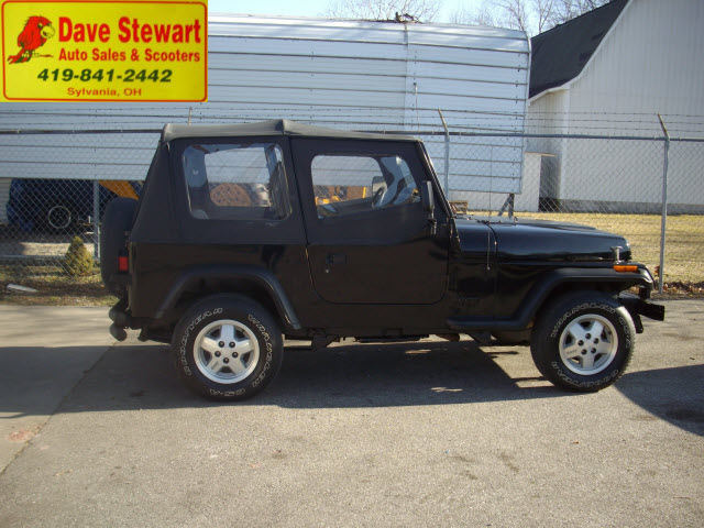 jeep wrangler 1993 black suv s gasoline 4 cylinders 4 wheel drive 5 speed manual 43560 jeep. Black Bedroom Furniture Sets. Home Design Ideas
