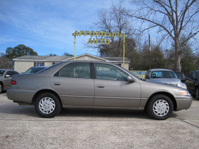 toyota camry 1997 beige sedan le gasoline 4 cylinders front wheel drive automatic 77379 toyota. Black Bedroom Furniture Sets. Home Design Ideas