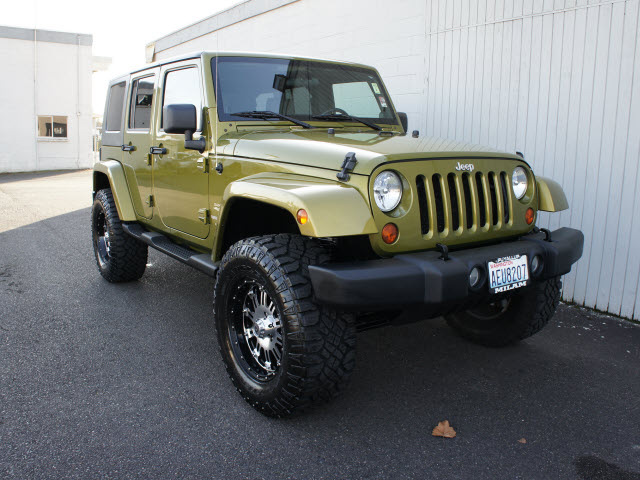 jeep wrangler unlimited 2007 green suv sahara gasoline 6 cylinders 4 wheel drive automatic with. Black Bedroom Furniture Sets. Home Design Ideas