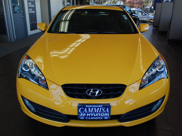 hyundai genesis coupe 2012 interlagos yellow coupe 3 8 track m t gasoline 6 cylinders rear wheel. Black Bedroom Furniture Sets. Home Design Ideas