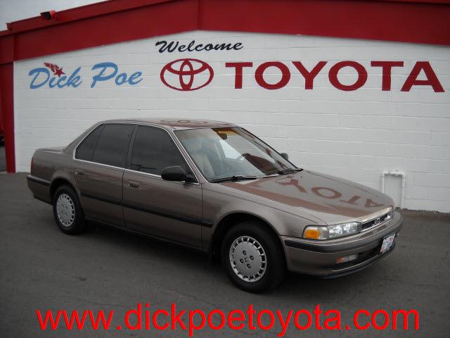 honda accord 1990 gold sedan lx gasoline 4 cylinders front wheel drive standard 79925 honda. Black Bedroom Furniture Sets. Home Design Ideas
