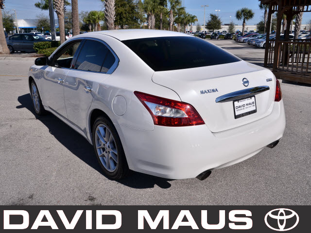 nissan maxima 2009 white sedan gasoline 6 cylinders front wheel drive automatic 32771 nissan. Black Bedroom Furniture Sets. Home Design Ideas