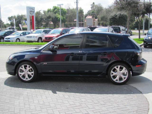 mazda mazda3 2009 blue hatchback gasoline 4 cylinders front wheel drive automatic 33884 mazda. Black Bedroom Furniture Sets. Home Design Ideas