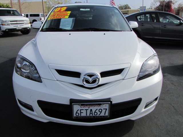 Mazda Mazda3 2009 Crystal White Hatchback S Touring Gasoline 4 Cylinders Front Wheel Drive