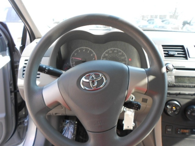 toyota corolla 2010 silver sedan gasoline 4 cylinders front wheel drive not specified 43228. Black Bedroom Furniture Sets. Home Design Ideas