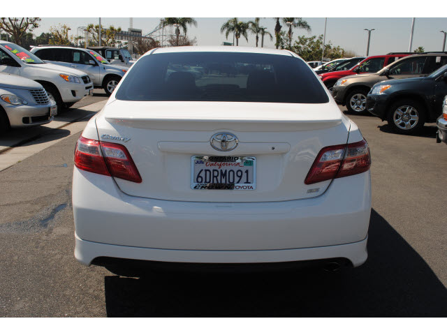 toyota camry 2009 white sedan se gasoline 4 cylinders front wheel drive automatic 91761 toyota. Black Bedroom Furniture Sets. Home Design Ideas