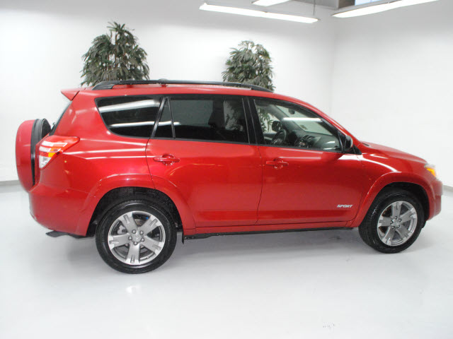 toyota rav4 2009 red suv sport gasoline 6 cylinders 2 wheel drive automatic 91731 toyota rav4. Black Bedroom Furniture Sets. Home Design Ideas