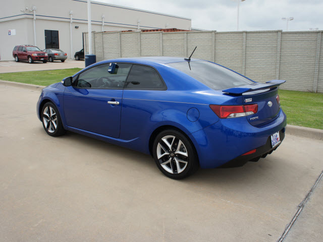 kia forte koup 2010 blue coupe sx gasoline 4 cylinders. Black Bedroom Furniture Sets. Home Design Ideas