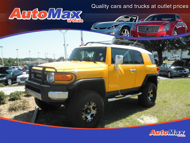 toyota fj cruiser 2007 yellow suv gasoline 6 cylinders 4. Black Bedroom Furniture Sets. Home Design Ideas