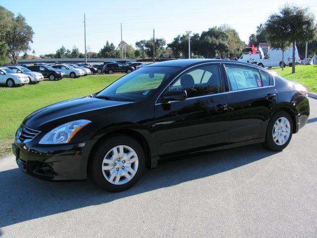 nissan altima 2012 black sedan s gasoline 4 cylinders front wheel drive automatic 33884 nissan. Black Bedroom Furniture Sets. Home Design Ideas