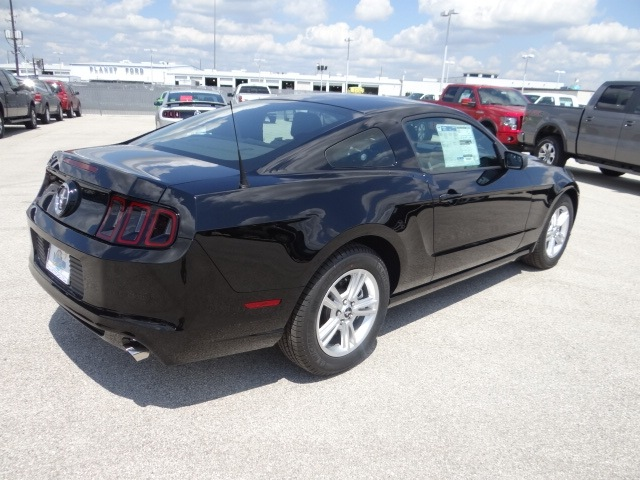 ford mustang 2013 black coupe gasoline 6 cylinders rear. Black Bedroom Furniture Sets. Home Design Ideas
