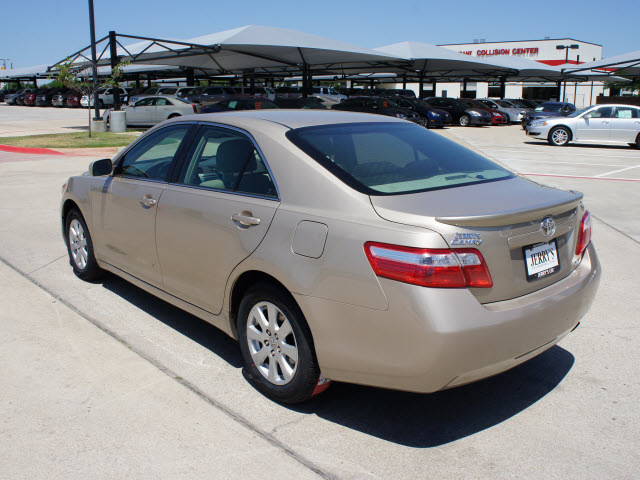 toyota camry 2009 gold sedan xle gasoline 4 cylinders front wheel drive automatic 76087 toyota. Black Bedroom Furniture Sets. Home Design Ideas