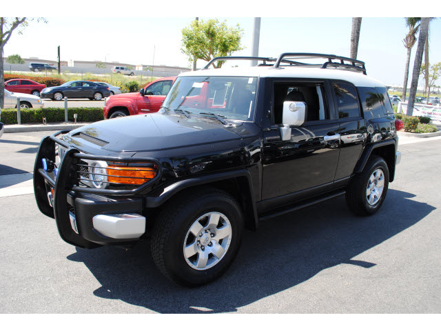 toyota fj cruiser 2009 black suv gasoline 6 cylinders 4 wheel drive automatic 91761 toyota fj. Black Bedroom Furniture Sets. Home Design Ideas