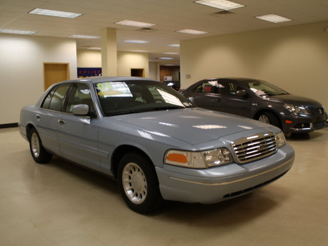 ford crown victoria 2000 lt blue sedan lx gasoline v8 rear wheel drive automatic 27707 ford. Black Bedroom Furniture Sets. Home Design Ideas