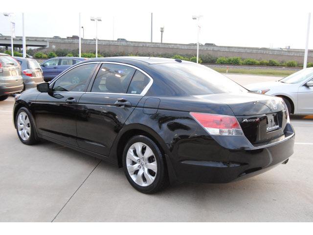 Honda accord 2009 black sedan ex l gasoline 4 cylinders for 2012 honda accord black