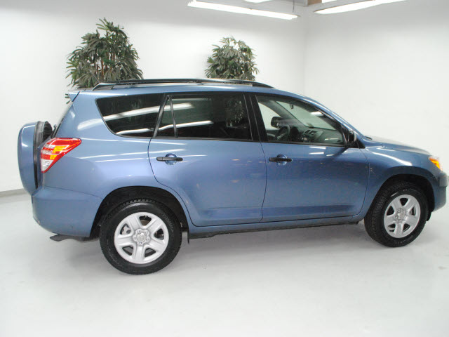 toyota rav4 2009 blue suv gasoline 4 cylinders front wheel drive automatic 91731 toyota rav4. Black Bedroom Furniture Sets. Home Design Ideas